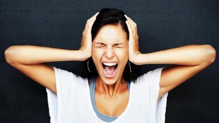 Причины женской истерики
