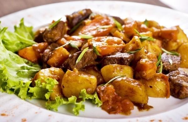 Жаркое по-домашнему с картошкой