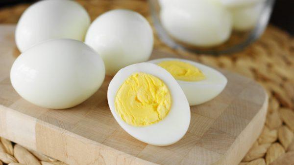 на завтрак яйца