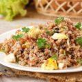 Приготовление каши гречневой с луком и яйцами